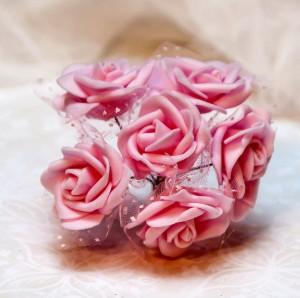 Róże piankowe z tiulem, 3-4 cm, jasny róż