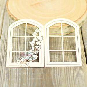 Okno z bluszczem